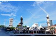 Kuala-Lumpur-Malezja-stolica-co-zobaczyć-zwiedzanie-atrakcje-Azja-wyjazd-turystyka-meczet-dywany-świątynie