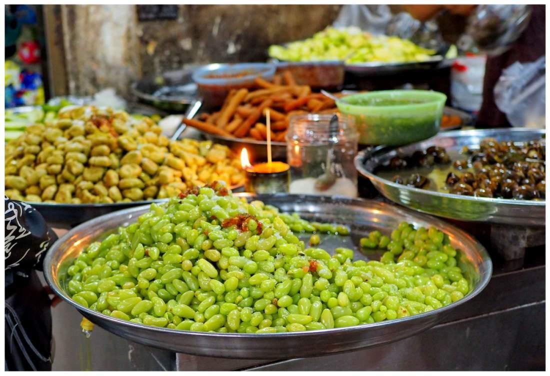 Jedzenie w Kambodży, owoce na targu.
