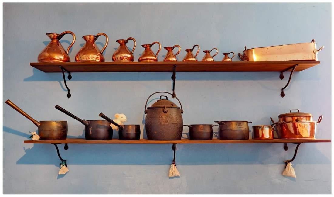 Kuchnia w wiktoriańskiej Anglii. Naczynia i sprzęty kuchenne.