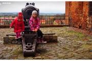zamek-Kwidzyn-krzyżacki-w-Kwidzynie-atrakcje-zwiedzanie-co-zobaczyć-armata-dzieci