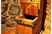 zamek-Kwidzyn-krzyżacki-w-Kwidzynie-atrakcje-zwiedzanie-co-zobaczyć-wnętrza-gabloty-eksponaty-podziemia-toaleta-wystawa