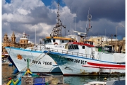 Targ rybny na wyspie Malta w zatoce Marsaxlokk