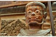 Stolica Kambodży - Phnom Penh.  Muzeum Narodowe  - rzeźby i eksponaty.