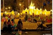 Phnom-Penh-Kambodża-Azja-stolica-ceny-opinie-atrakcje-co-zobaczyć-ludzie-kwiaty-ulica-zabytki-noc