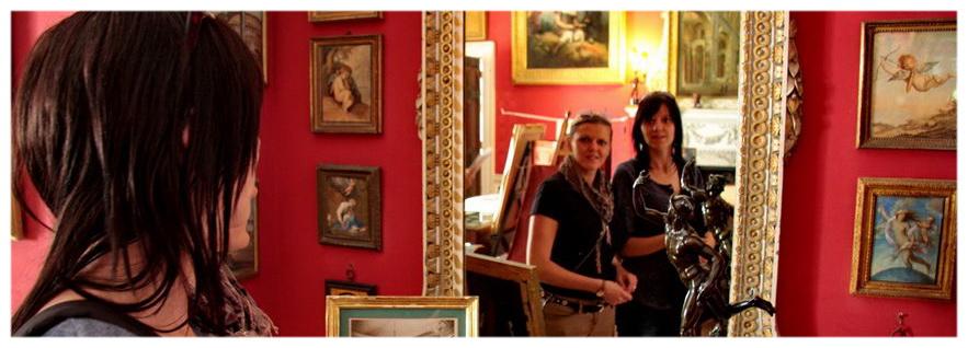 Stourhead Posiadłość National Trust Anglia, atrakcja turystyczna, lustra, antyki, meble, zwiedzanie,