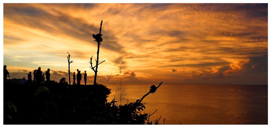 Indonezja-Bali-plaża-morze-zachód-słońca-ludzie-widok-piękny-